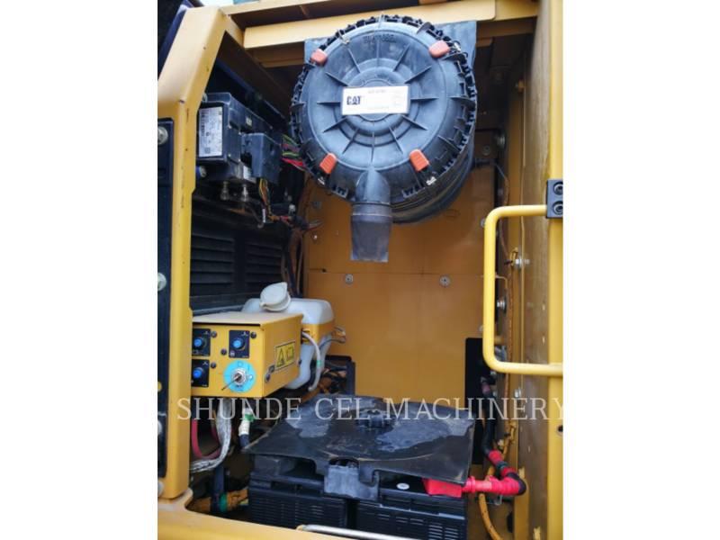 CATERPILLAR トラック油圧ショベル 320D2GC equipment  photo 17