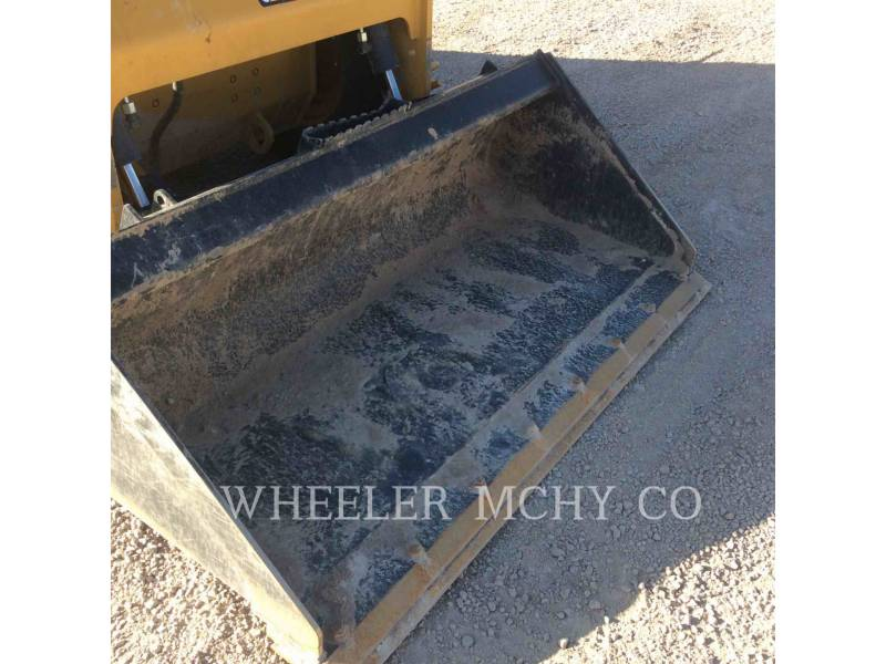 CATERPILLAR SKID STEER LOADERS 226D C3 equipment  photo 16