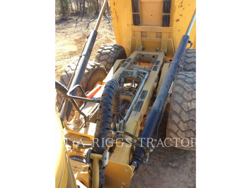 CATERPILLAR CAMIONES ARTICULADOS 740B equipment  photo 16