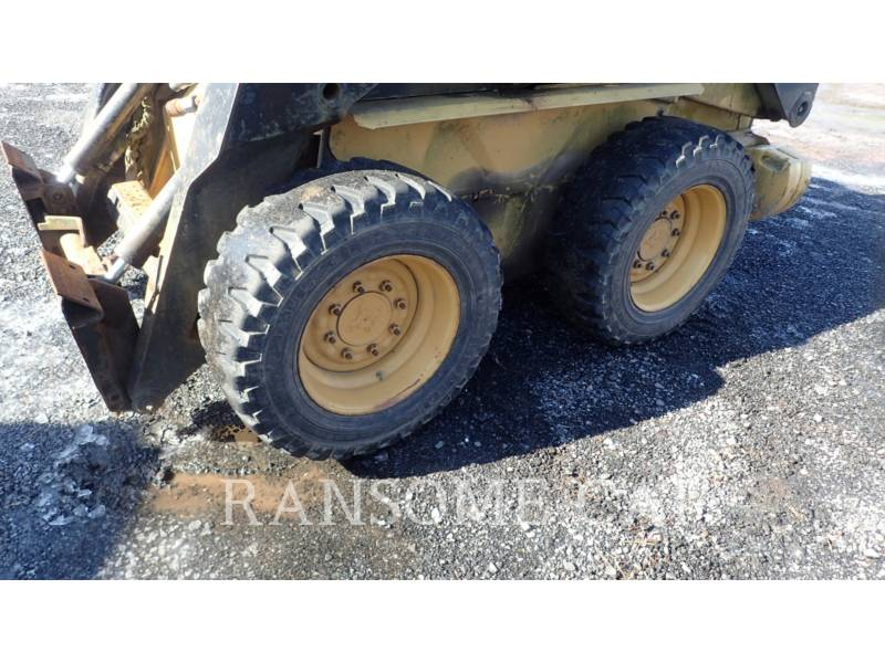 NEW HOLLAND LTD. CHARGEURS COMPACTS RIGIDES LX665 equipment  photo 15