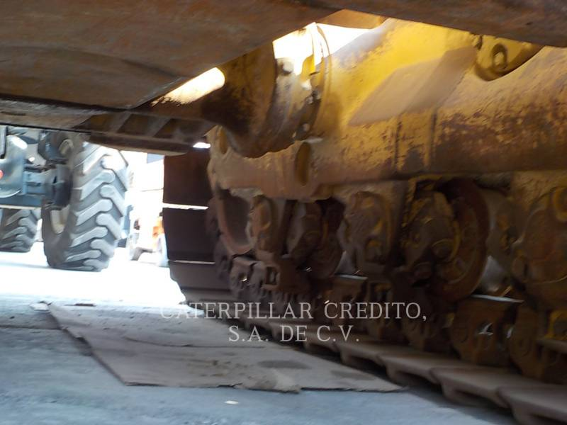 CATERPILLAR TRACTEURS SUR CHAINES D8T equipment  photo 17