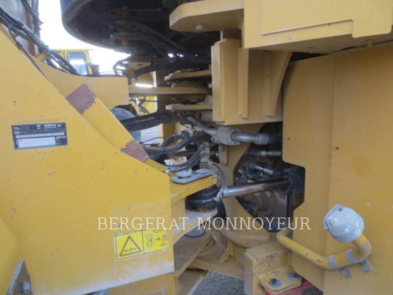 CATERPILLAR CARGADORES DE RUEDAS 972K equipment  photo 12