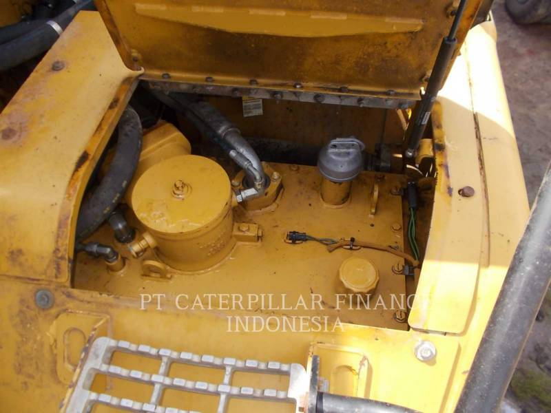 CATERPILLAR CAMIONES ARTICULADOS 740 equipment  photo 19