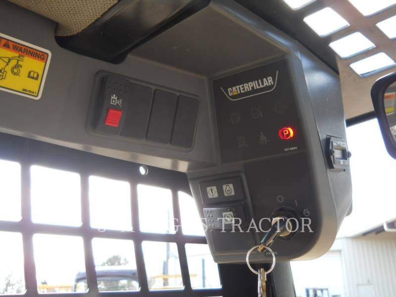 CATERPILLAR CHARGEURS COMPACTS RIGIDES 226B equipment  photo 17