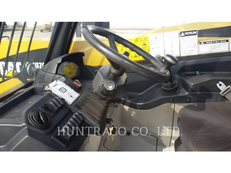 CATERPILLAR TELEHANDLER TH 407 C equipment  photo 13