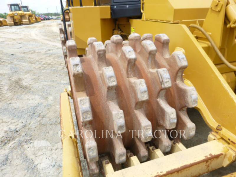 Caterpillar COMPACTOARE 815F2 equipment  photo 7