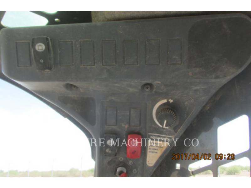 JOHN DEERE SKID STEER LOADERS 318D equipment  photo 11