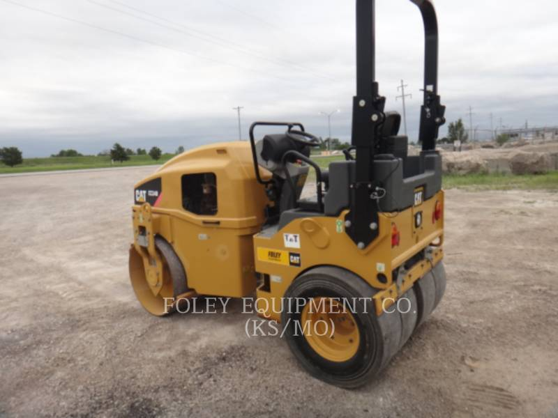 CATERPILLAR COMPACTORS CC34B equipment  photo 4