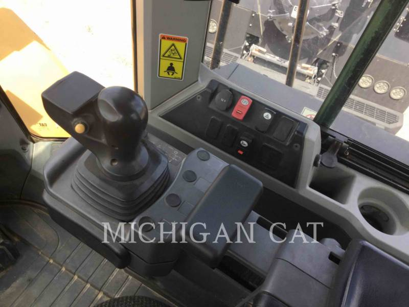 CATERPILLAR PALE GOMMATE/PALE GOMMATE MULTIUSO 966M equipment  photo 7