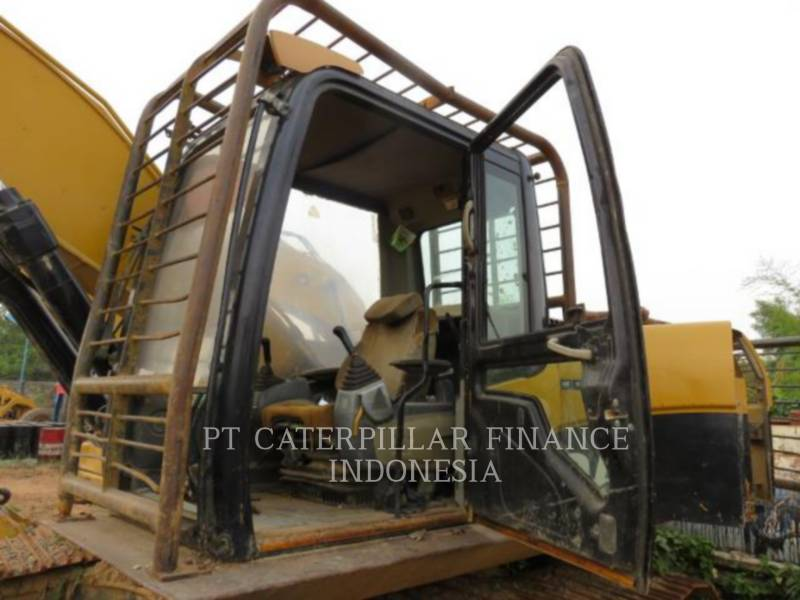 CATERPILLAR PELLES SUR CHAINES 320D equipment  photo 2