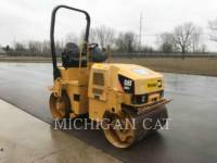 CATERPILLAR TAMBOR DOBLE VIBRATORIO ASFALTO CB24 equipment  photo 1