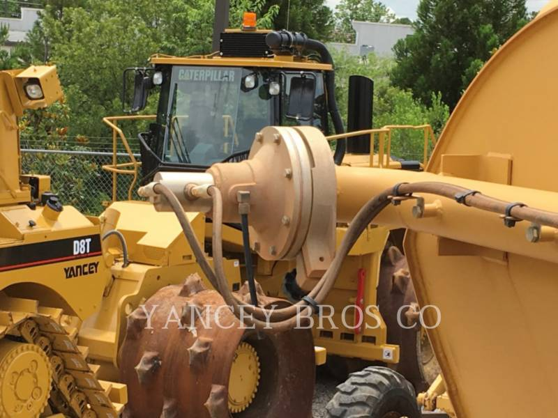 CATERPILLAR CAMIONES ARTICULADOS 740 WT equipment  photo 16