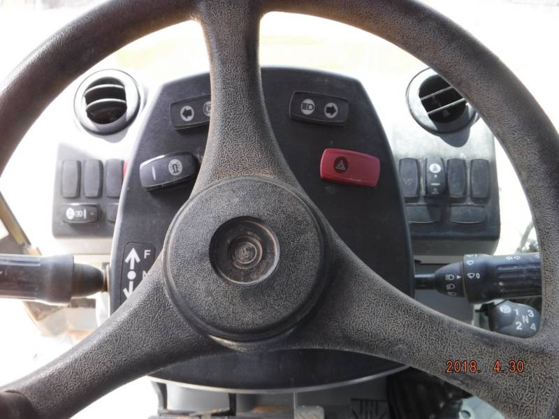 CATERPILLAR BAGGERLADER 420FST equipment  photo 11