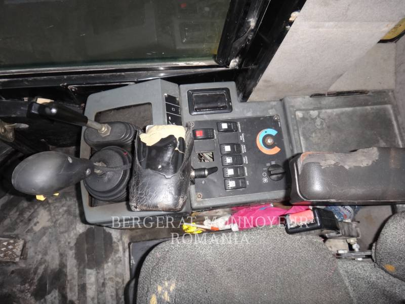 CATERPILLAR CHARGEURS SUR PNEUS/CHARGEURS INDUSTRIELS IT28G equipment  photo 7
