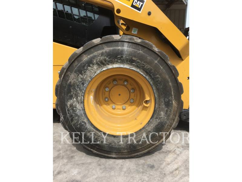 CATERPILLAR SKID STEER LOADERS 272D2 equipment  photo 14
