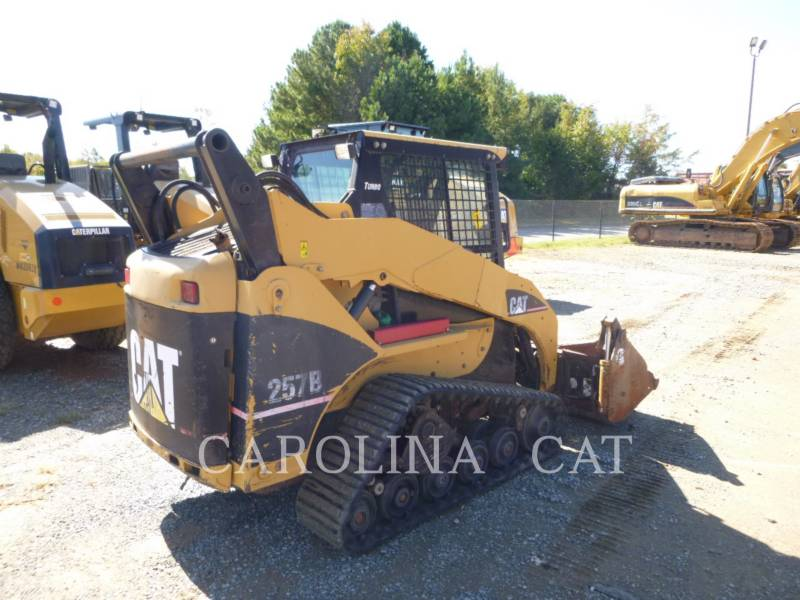 CATERPILLAR CHARGEURS SUR CHAINES 257B equipment  photo 3