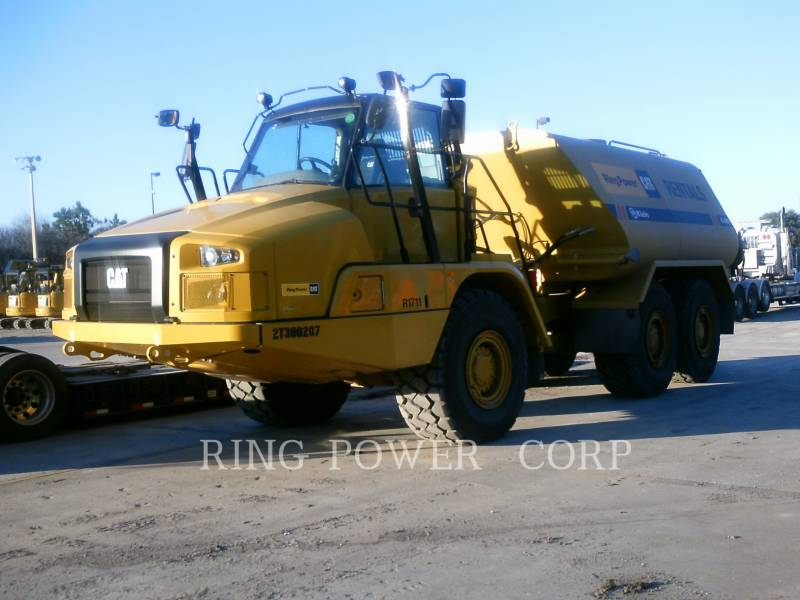 CATERPILLAR CAMIONS CITERNE A EAU 725C2WW equipment  photo 1