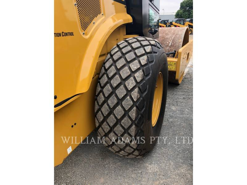 CATERPILLAR COMBINATION ROLLERS CS66B equipment  photo 6
