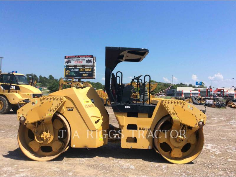 CATERPILLAR COMPATTATORE PER ASFALTO A DOPPIO TAMBURO VIBRANTE CB64 equipment  photo 8