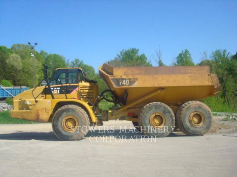 CATERPILLAR TOMBEREAUX ARTICULÉS 740WT equipment  photo 1