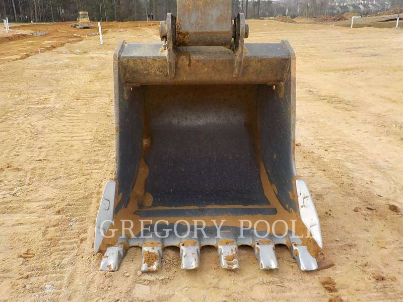 JOHN DEERE EXCAVADORAS DE CADENAS 330C LC equipment  photo 18