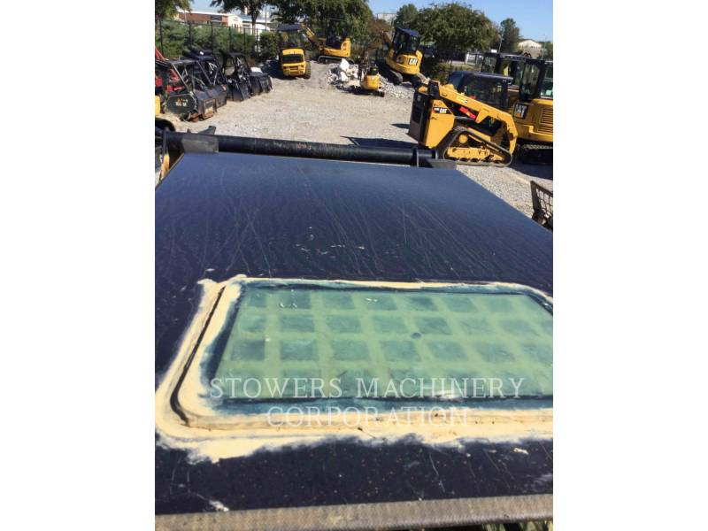 CATERPILLAR CHARGEURS TOUT TERRAIN 259B3 equipment  photo 14
