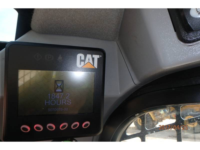 CATERPILLAR MULTI TERRAIN LOADERS 279D equipment  photo 8