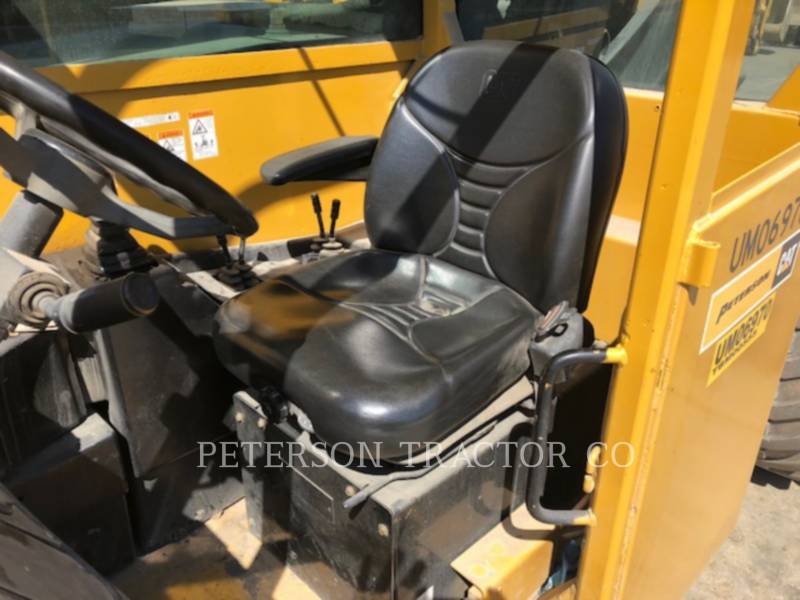 CATERPILLAR MOVIMENTATORI TELESCOPICI TL1055 equipment  photo 5