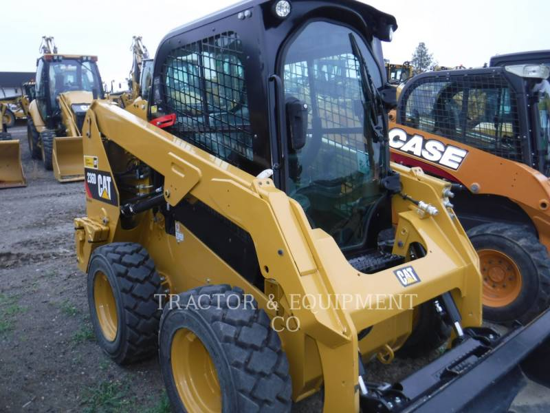 CATERPILLAR KOMPAKTLADER 236D H2CB equipment  photo 4