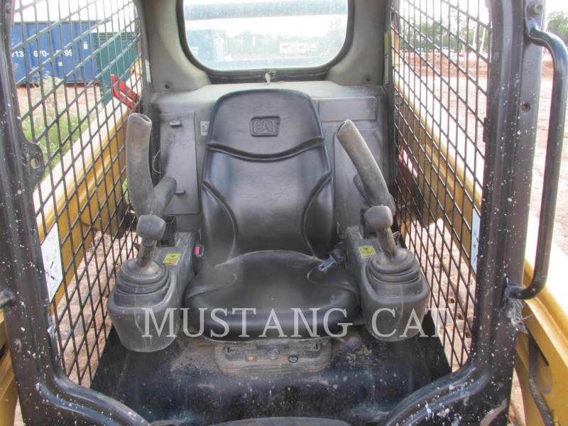 CATERPILLAR KOMPAKTLADER 259D equipment  photo 6