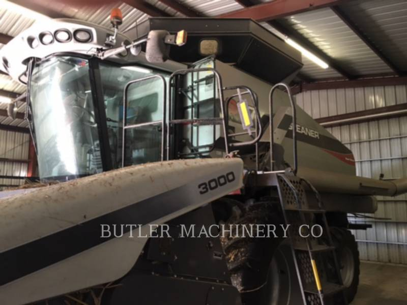 GLEANER COMBINADOS S77 equipment  photo 1