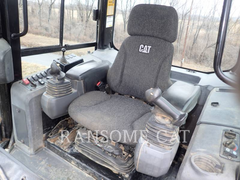 CATERPILLAR TRACTORES DE CADENAS D6K2LGP equipment  photo 18