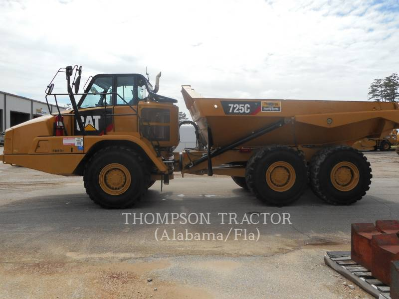 CATERPILLAR TOMBEREAUX ARTICULÉS 725C T4F equipment  photo 1