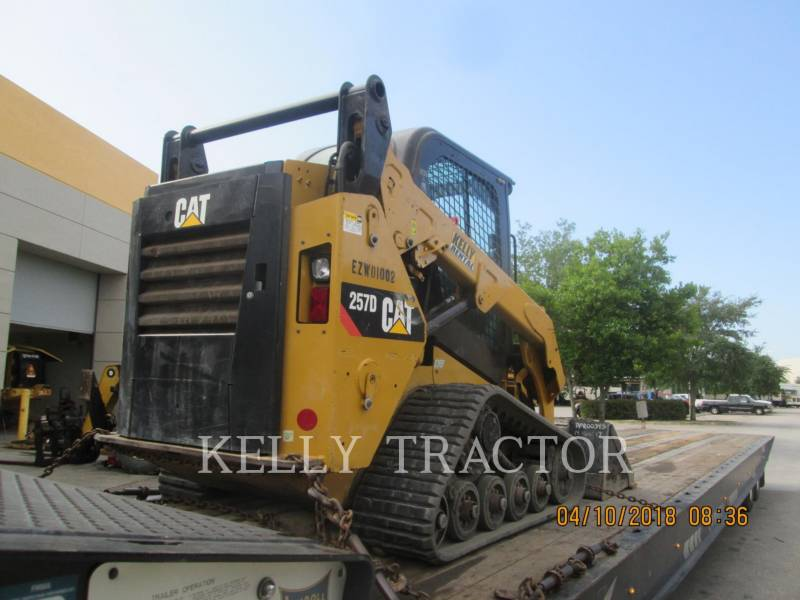 CATERPILLAR 多様地形対応ローダ 257D equipment  photo 3