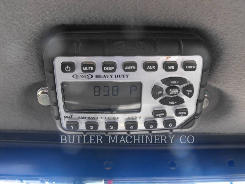 CASE/NEW HOLLAND KOMPAKTLADER TV380 equipment  photo 10