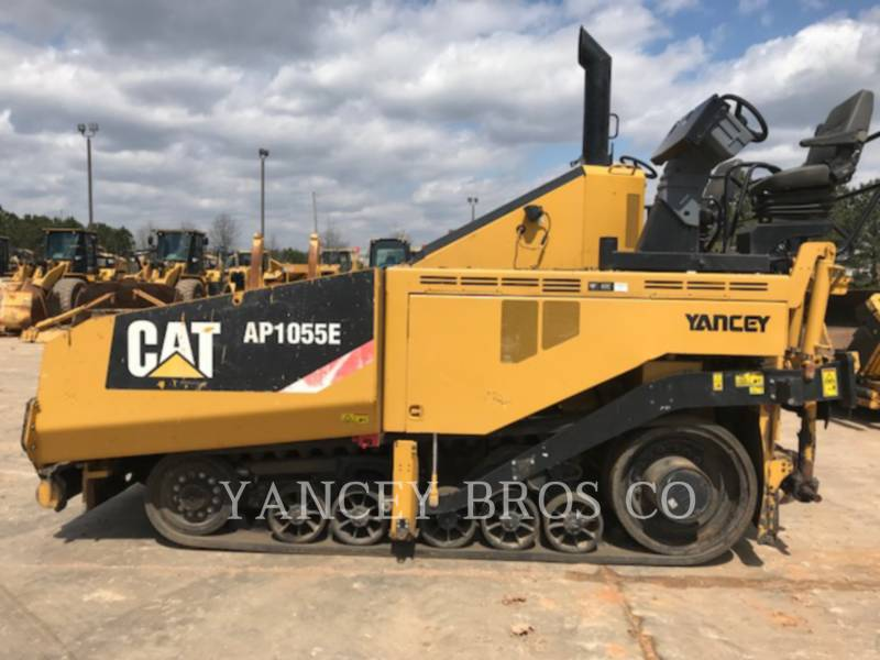 CATERPILLAR SCHWARZDECKENFERTIGER AP-1055E equipment  photo 1