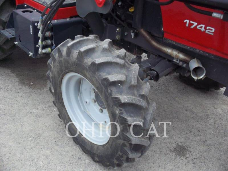 AGCO-MASSEY FERGUSON TRACTEURS AGRICOLES MF1742L equipment  photo 13