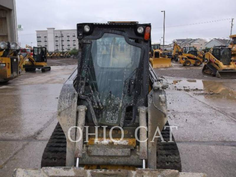 NEW HOLLAND LTD. CHARGEURS TOUT TERRAIN 227 equipment  photo 2