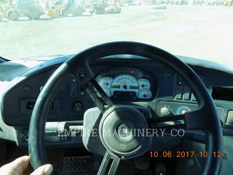 CATERPILLAR ダンプ・トラック 735 equipment  photo 10