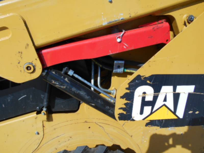 CATERPILLAR MINICARREGADEIRAS 262D equipment  photo 15