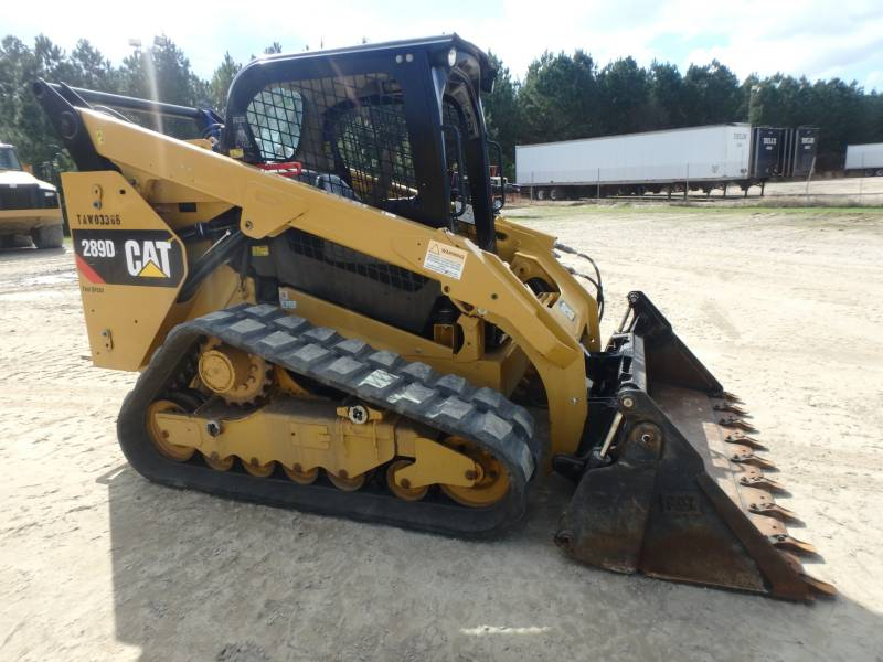 CATERPILLAR CHARGEURS TOUT TERRAIN 289D equipment  photo 9