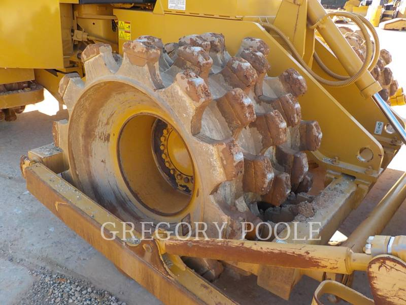 CATERPILLAR WHEEL DOZERS 815F II equipment  photo 2
