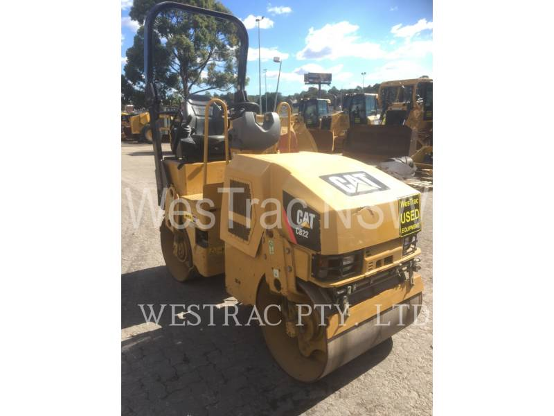 CATERPILLAR COMPACTEURS TANDEMS VIBRANTS CB22 equipment  photo 2