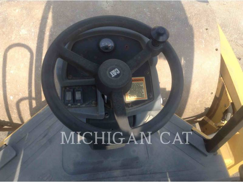 CATERPILLAR COMPACTADORES DE SUELOS CS683E equipment  photo 22