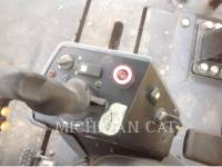 CATERPILLAR VIBRATORY DOUBLE DRUM ASPHALT CB-564D equipment  photo 14