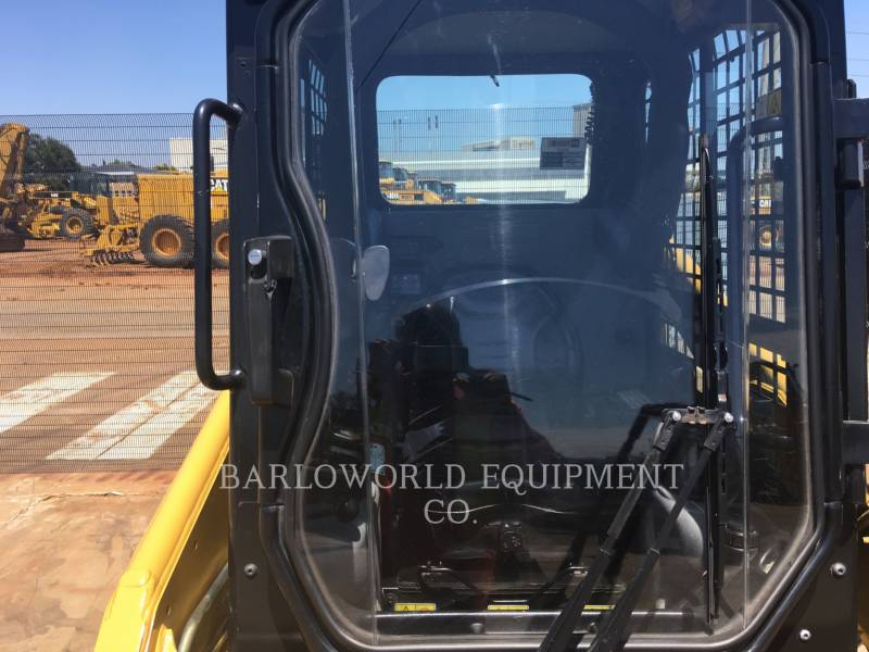 CATERPILLAR SKID STEER LOADERS 226 B SERIES 3 equipment  photo 8