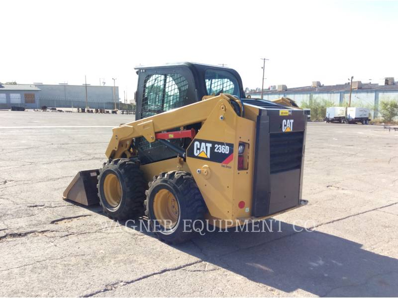 CATERPILLAR KOMPAKTLADER 236D equipment  photo 2