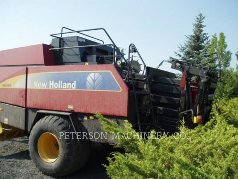 NEW HOLLAND LTD. MATERIELS AGRICOLES POUR LE FOIN BB960A equipment  photo 4