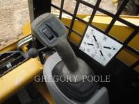 CATERPILLAR SKID STEER LOADERS 242B3 equipment  photo 19