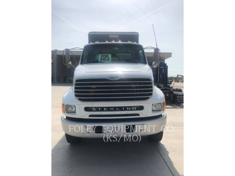 STERLING ON HIGHWAY TRUCKS L8500 equipment  photo 4